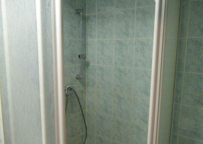 Koupelna se sprchou v 2+kk