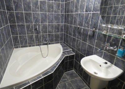 Hotel Morávka pokoj 216 koupelna