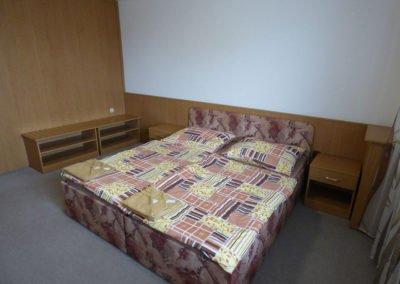 Hotel Morávka pokoj 216 ložnice